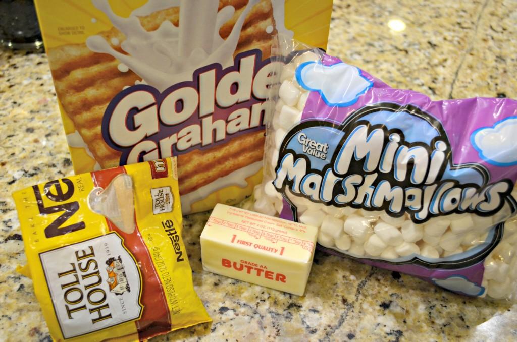 Golden Grahams S'mores Bars - Wheel N Deal Mama