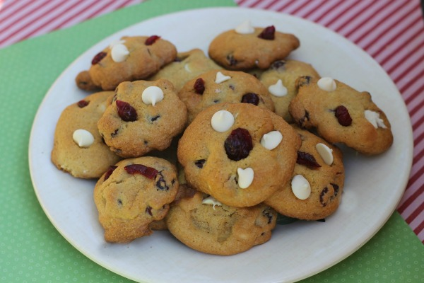 white choc cranberry cookies horizontal