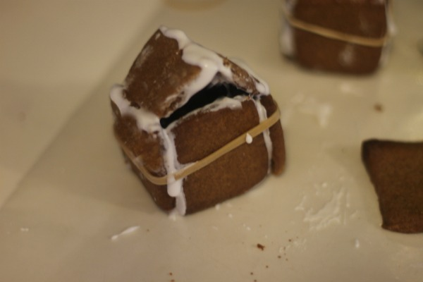 Kid Friendly Mini Gingerbread Houses